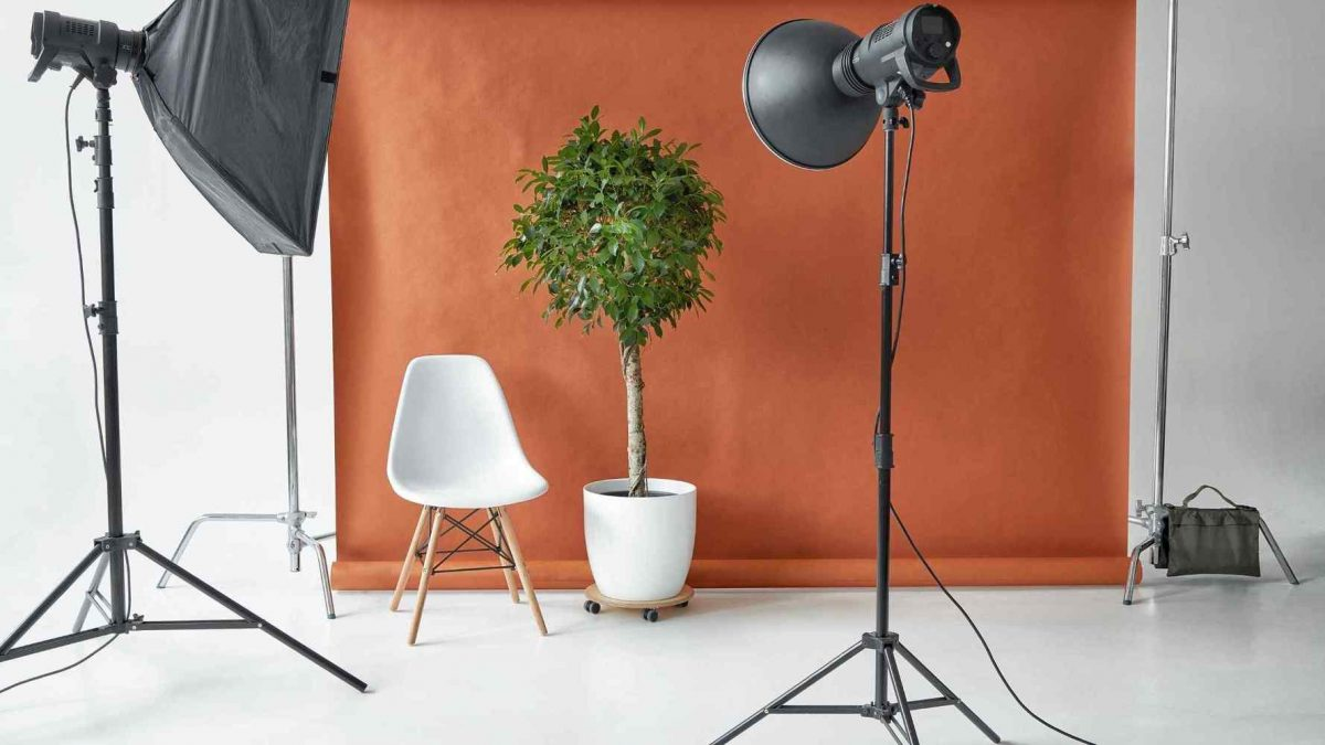 how to find a product photographer